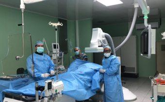 Caso clínico: Femenina 66 años IMC 40